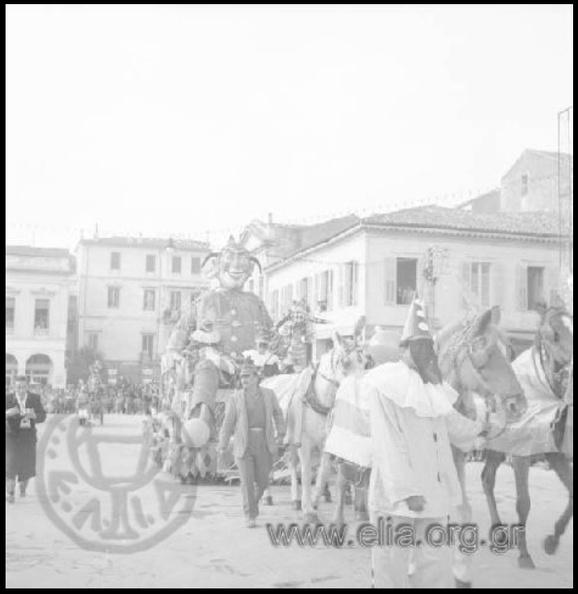 10. Καρναβάλι 1957 (φωτό Αντώνιος Πατσαβός, ΜΙΝΙΟΝ).JPG