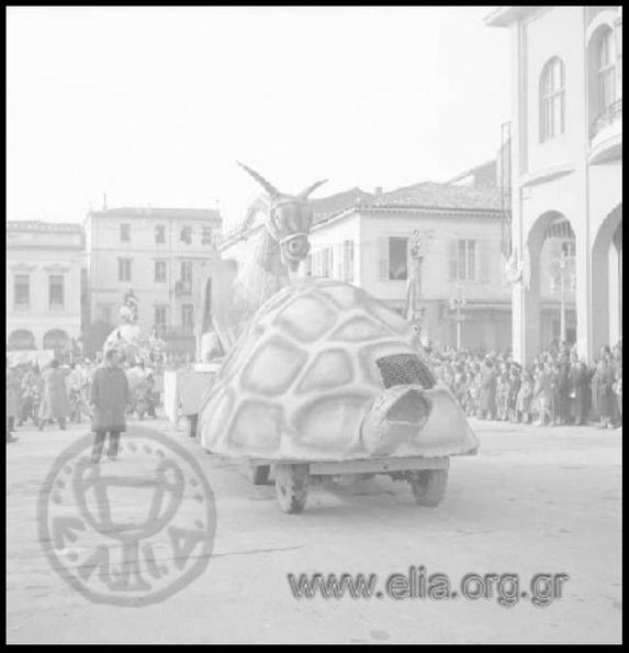14. Καρναβάλι 1957 (φωτό Αντώνιος Πατσαβός, ΜΙΝΙΟΝ).JPG